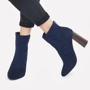 JustFab Whinetta Navy Booties 9